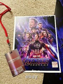 AVENGERS ENDGAME Movie Poster CAST SIGNED Premiere Autograph 27x40 withBadge