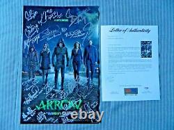Arrow Cast Signed Poster 11 x 17 Stephen Amell Willa Holland (PSA/DNA AC09719)