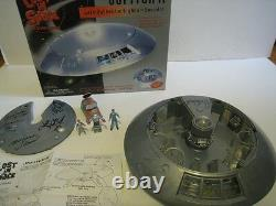 Lost in Space Jupiter II Trendmasters playset autographed x 6 by cast with pics