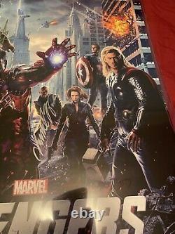 Marvel's Avengers Poster Cast Signed Movie Premiere Chris Evans Robert Downey Jr