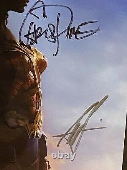 Sdcc 2016 Wonder Woman Movie Cast Signed Poster Gal Gadot, Chris Pine, & More