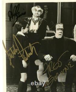 THE MUNSTERS 1960s TV Series RARE SIGNED CAST PHOTO 4 AUTOGRAPH Signatures