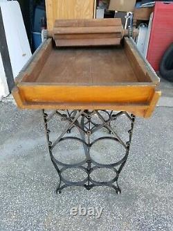 American Woodenware Mfg Co Antique Cast En Bois Boîte À Beurre À Main En Fonte