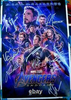 Avengers Endgame Cast (x13) Signé À La Main Chris Hemsworth 12x18 Photo