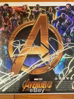 Avengers Infinity Guerre Affiche 12x18 Film Signée Par 18 Cast Avec Beckett Bas Coa