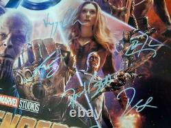 Avengers Infinity War Movie Poster Cast Signé Chadwick Boseman Panther