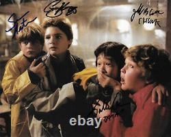 Casting Goonies De 4 Original Autographed 8x10 Photo
