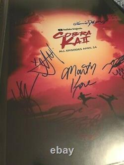 Cobra Kai Cast Signé X7 Affiche Photo Autographe William Zabka Martin Kove Rare