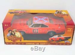 Dukes Of Hazzard Signées Par 7 Général Lee Par 1/18 Die Cast Model Car! Le Hshow