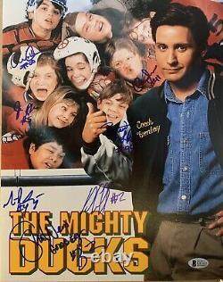 Le Mighty Ducks 11x14 Autographié Photo Cast Signé Par 7 Avec Beckett Coa