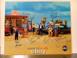 Photo Signée Rare Modern Family Cast Autographiée Par 10 Étoiles Principales 100% Real