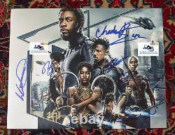 Rare Black Panther Cast Piece Chadwick Boseman Autograph Signé 11x14 Photo Coa