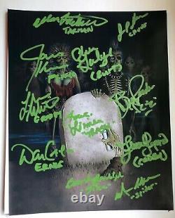 Return Of The Living Dead Photo Cast Signé Par Le Cast James Karen Plus Auto