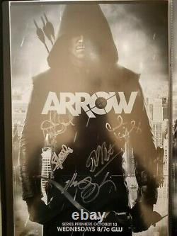 Sdcc 2013 Arrow Cast Signé Affiche 11x17