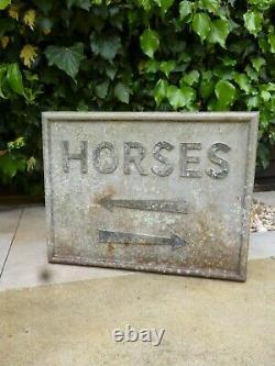 Signal De Direction De La Direction Du Métal D'horse Du Vintage N'enamel Pas Signal De Route