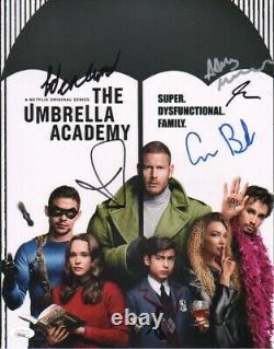 The Umbrella Academy Cast X6 Signé À La Main Aidan Gallagher 11x14 Photo (jsa Coa)